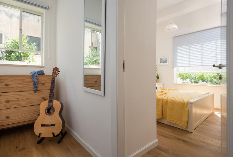 מבט מחדר חדש לחדר הורים